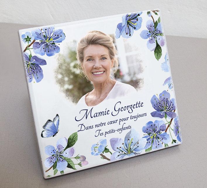 Plaque personnalisée, originale,blanche papillon,fleurs,bleu,arbre,mamie,cimetière en couleur